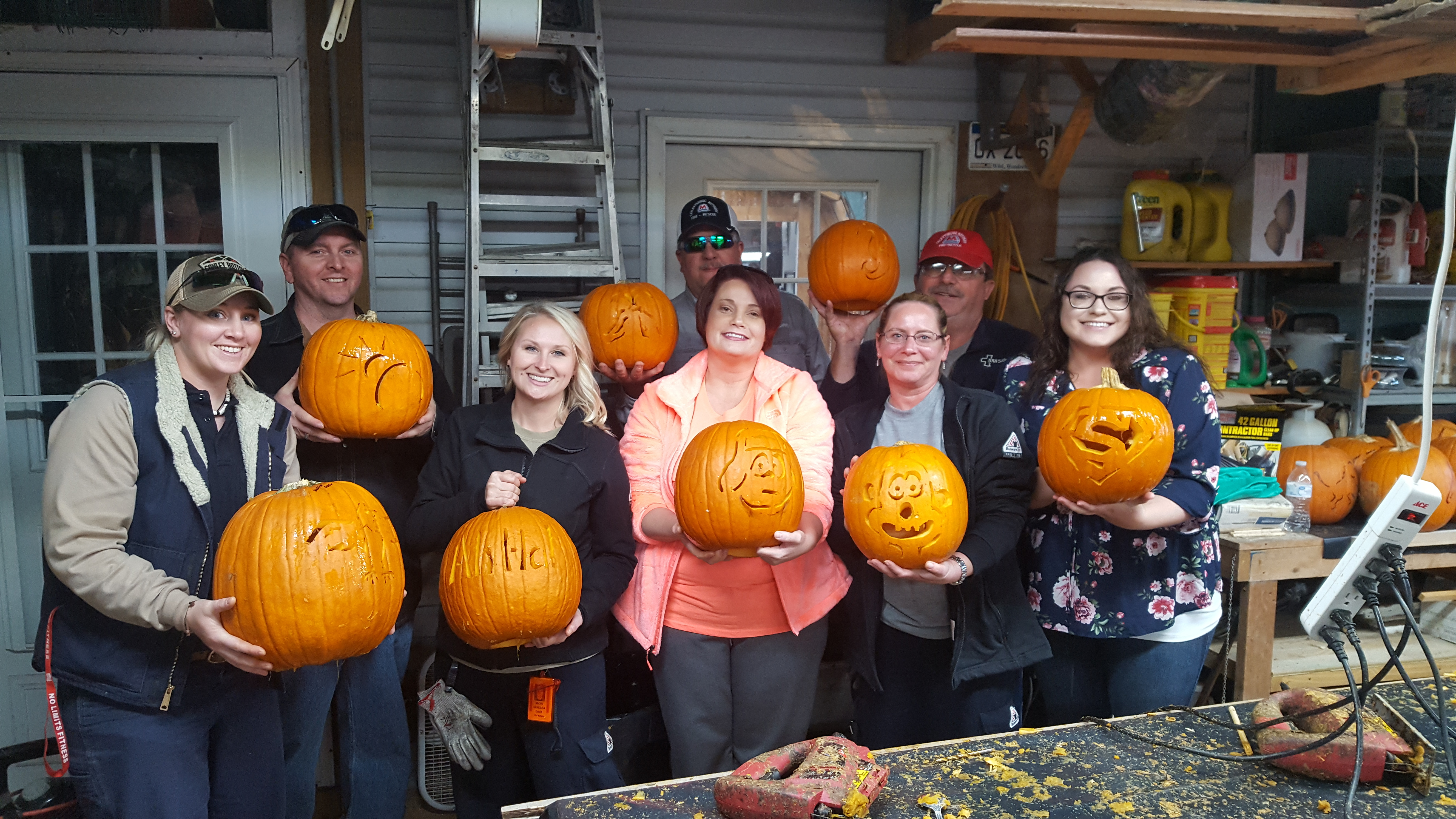 kelly-and-team-pumpkins